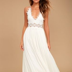 """Lulu's """"This is Love"""" White Lace Maxi Dress"""